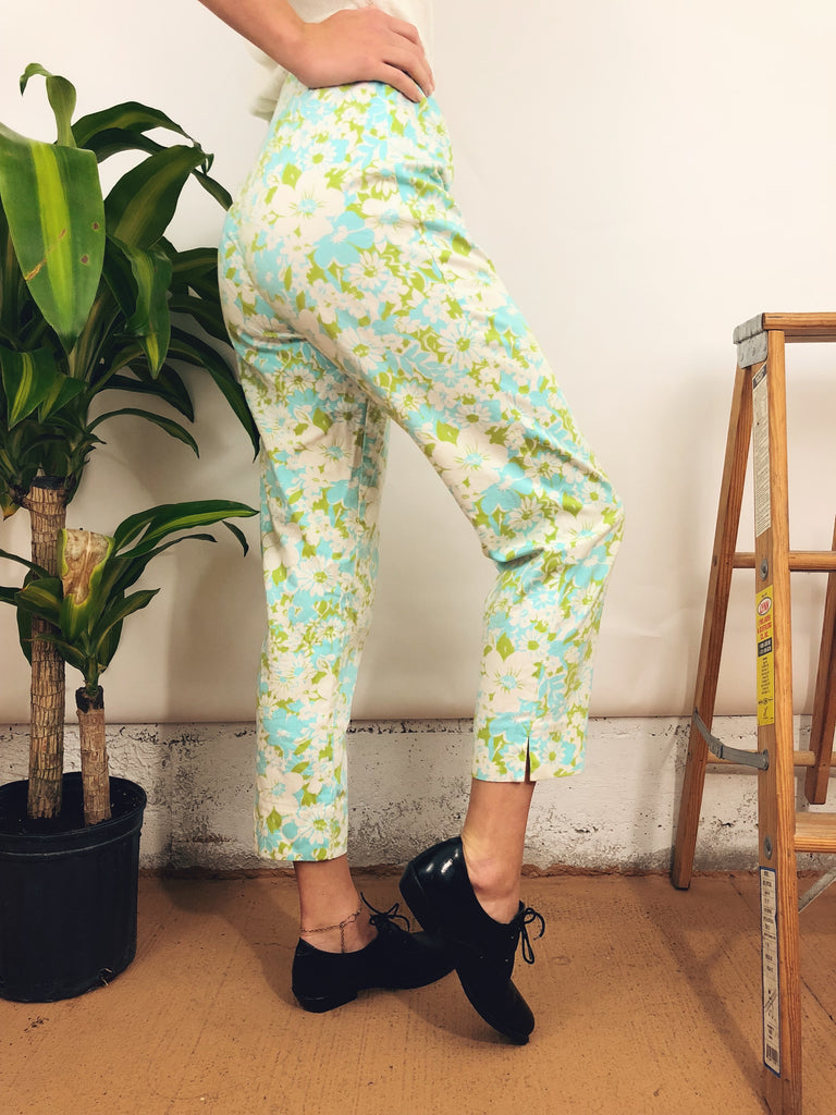 "Vintage Floral Cropped Trousers (26"")"