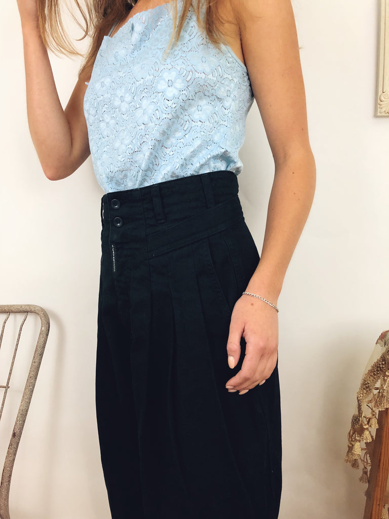 "Vintage Oversized Highwaisted Trousers (28"")"