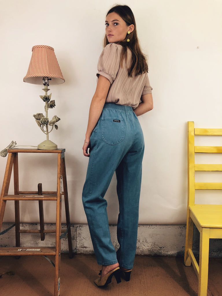 "Vintage Light Wash Denim (26-27"")"