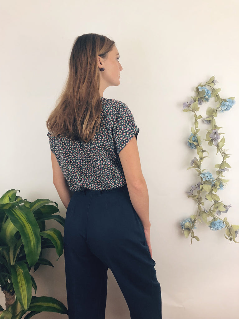 "Cotton Navy Highwaisted Trousers (25""-26"")"