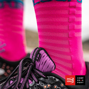 Calcetines COMPRESSPORT Pro Racing Socks Run High Ultralight V3 Fluo/Pink