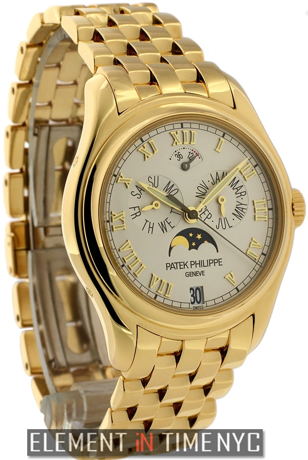 Annual Calendar Moonphase 18k Yellow Gold