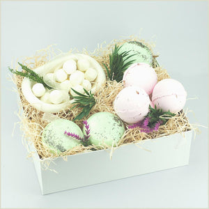 Bubble Experience | Bath Gift Box | Bath Basket | Gift for her | Gift for him | Singular Gift | Relax Gift