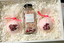 Mom Gift Set gift box-spa gift set-bath salts-care package-spa party-self care-bath bombs-roses-gifts for her-