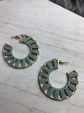 Load image into Gallery viewer, TRACEY Earrings