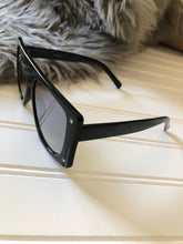Load image into Gallery viewer, CHIC VI Sunglasses