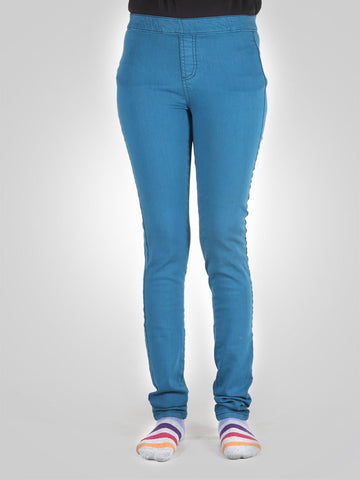 Skinny Jegging By Easy Wear