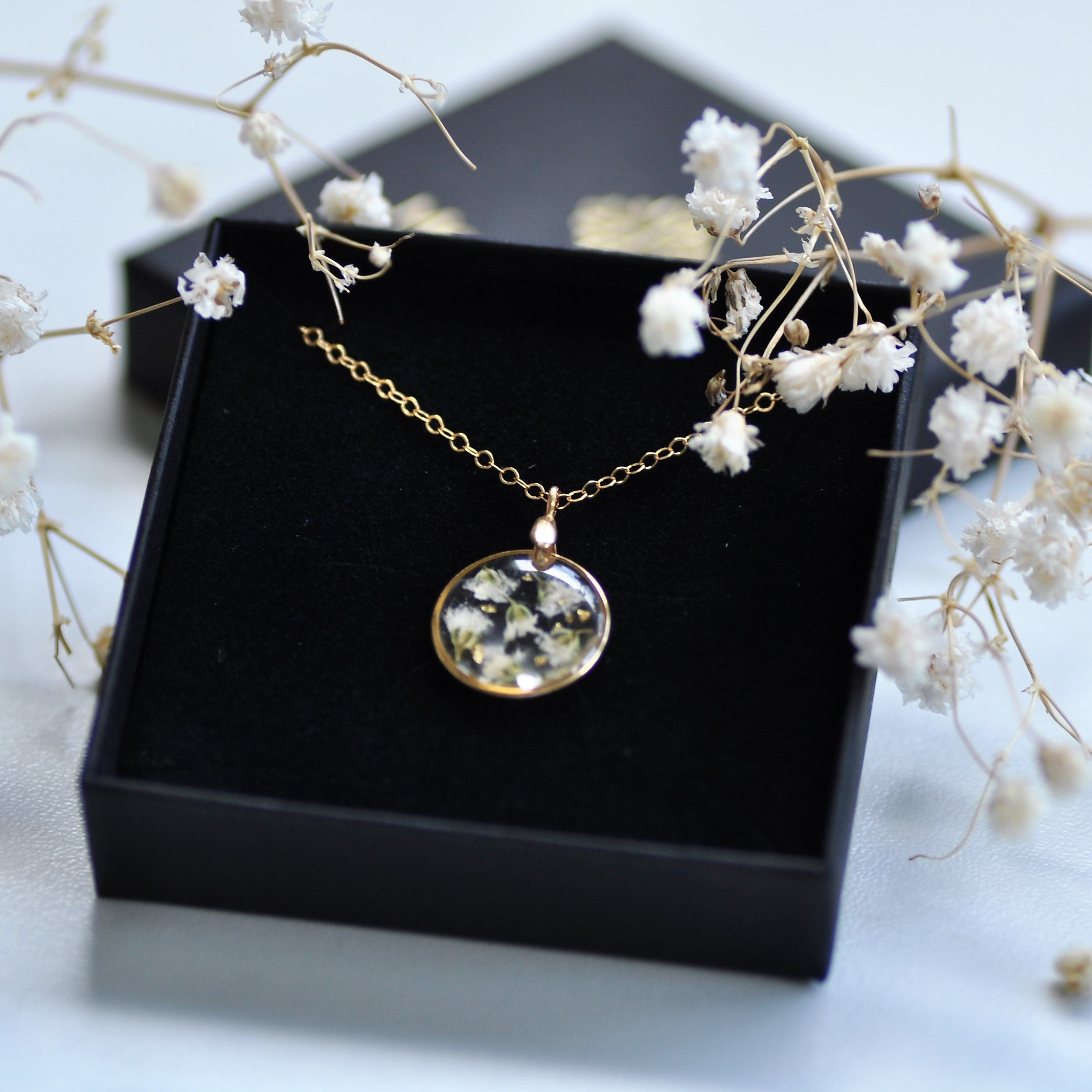 Gypsophila necklace - mini - Gold fill