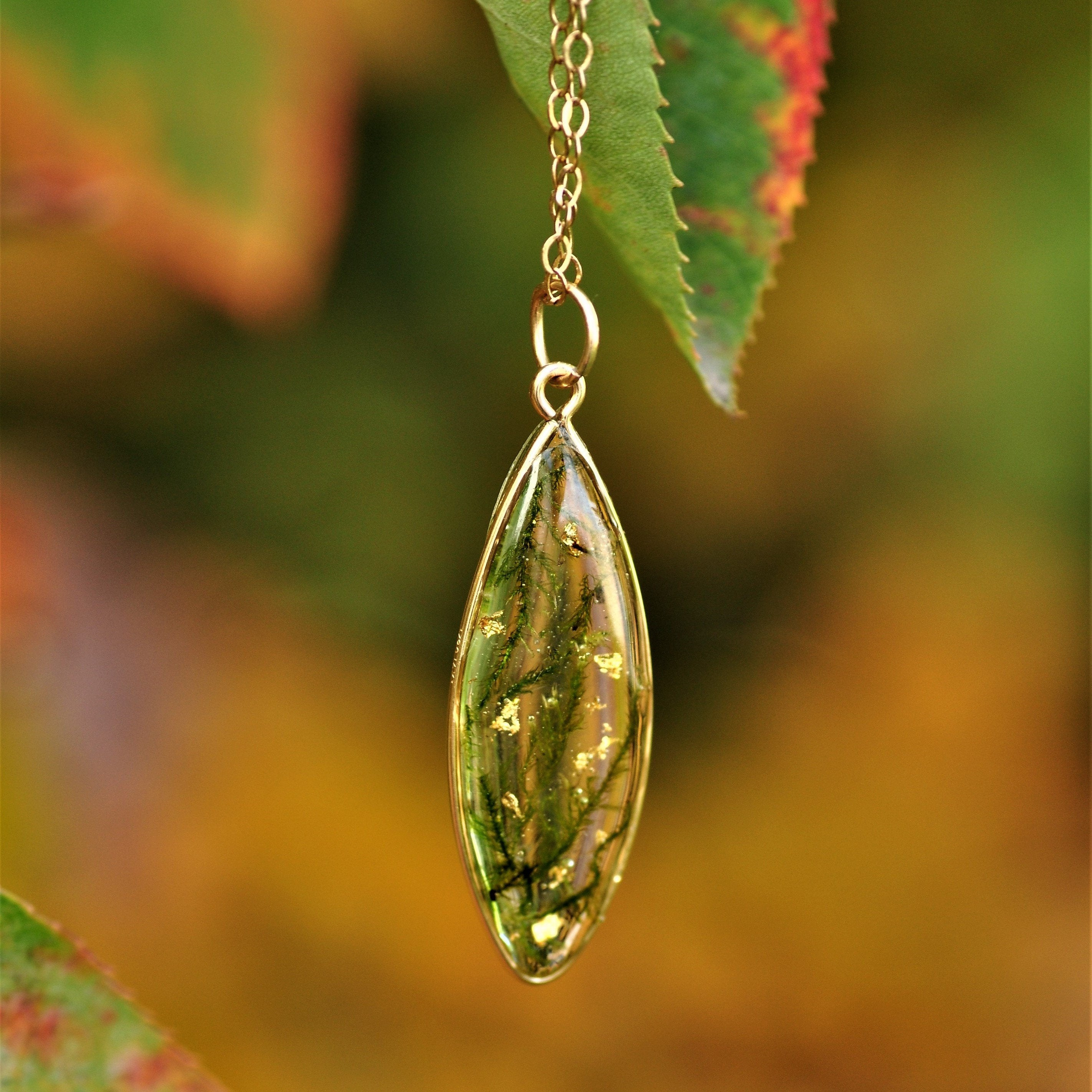 moss droplet necklace