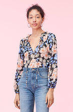 Load image into Gallery viewer, Blush Rose Clip Top- Black Combo