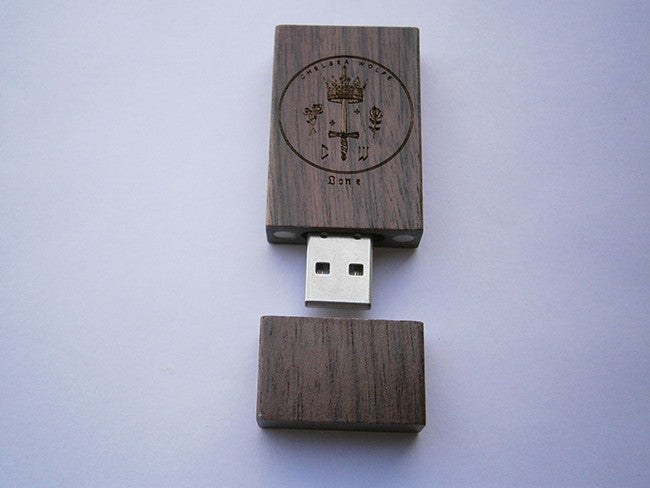 Lone Film USB - Chelsea Wolfe - Hello Merch