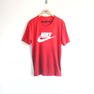 Vintage 90s Nike Spellout Two Tone Red Tee (L)