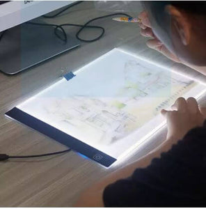DRAWING AND TRACING BOARD WITH LED LIGHT