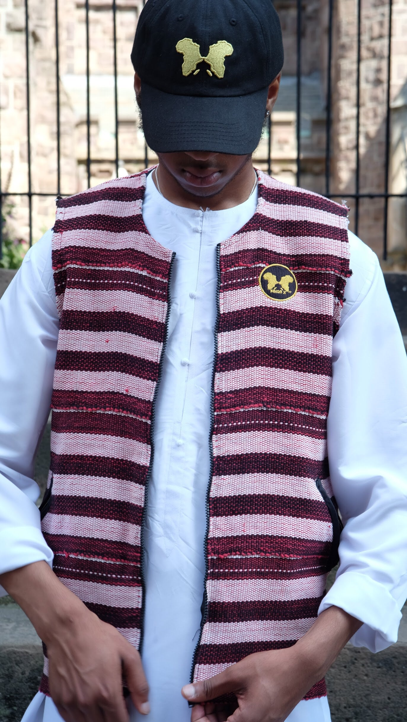 Bai Bureh Ronko Vest: Red Country Cloth