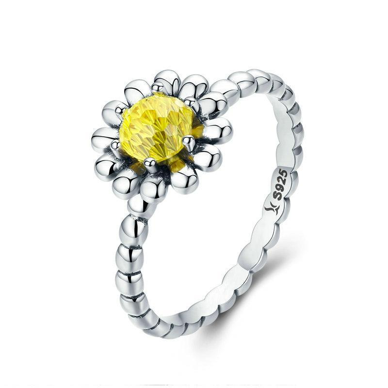 Penelope's Enchanting Yellow Daisy Flower Finger Ring