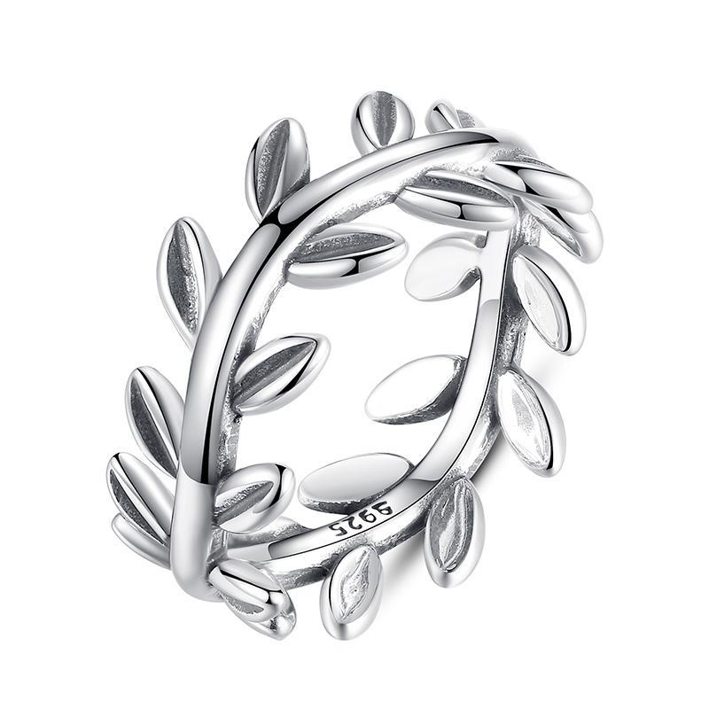 Penelope's Majestic Wreath of Leaves Finger Ring