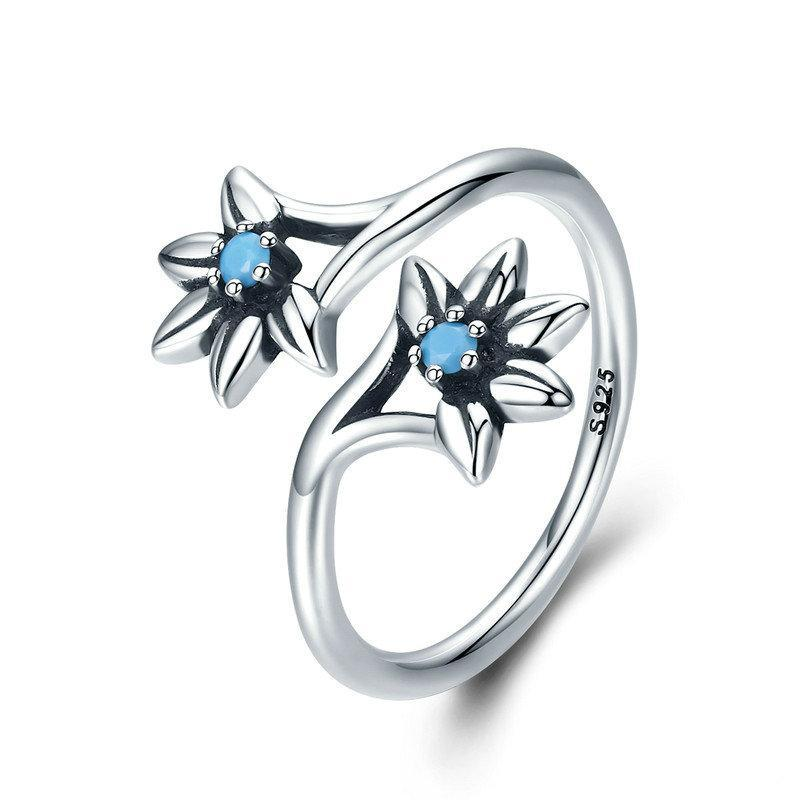 Penelope's Blue Flower Daisy Finger Ring