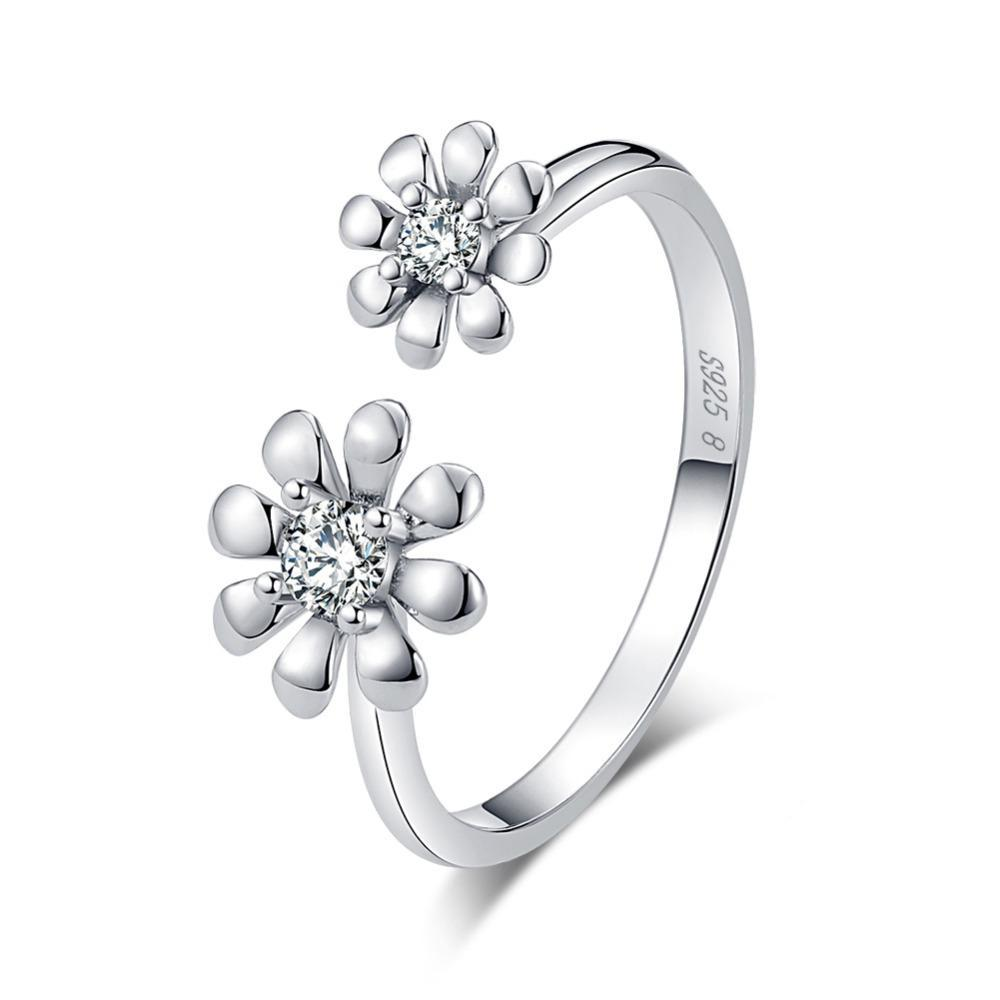 Penelope's Exquisite Flowers Promise Ring