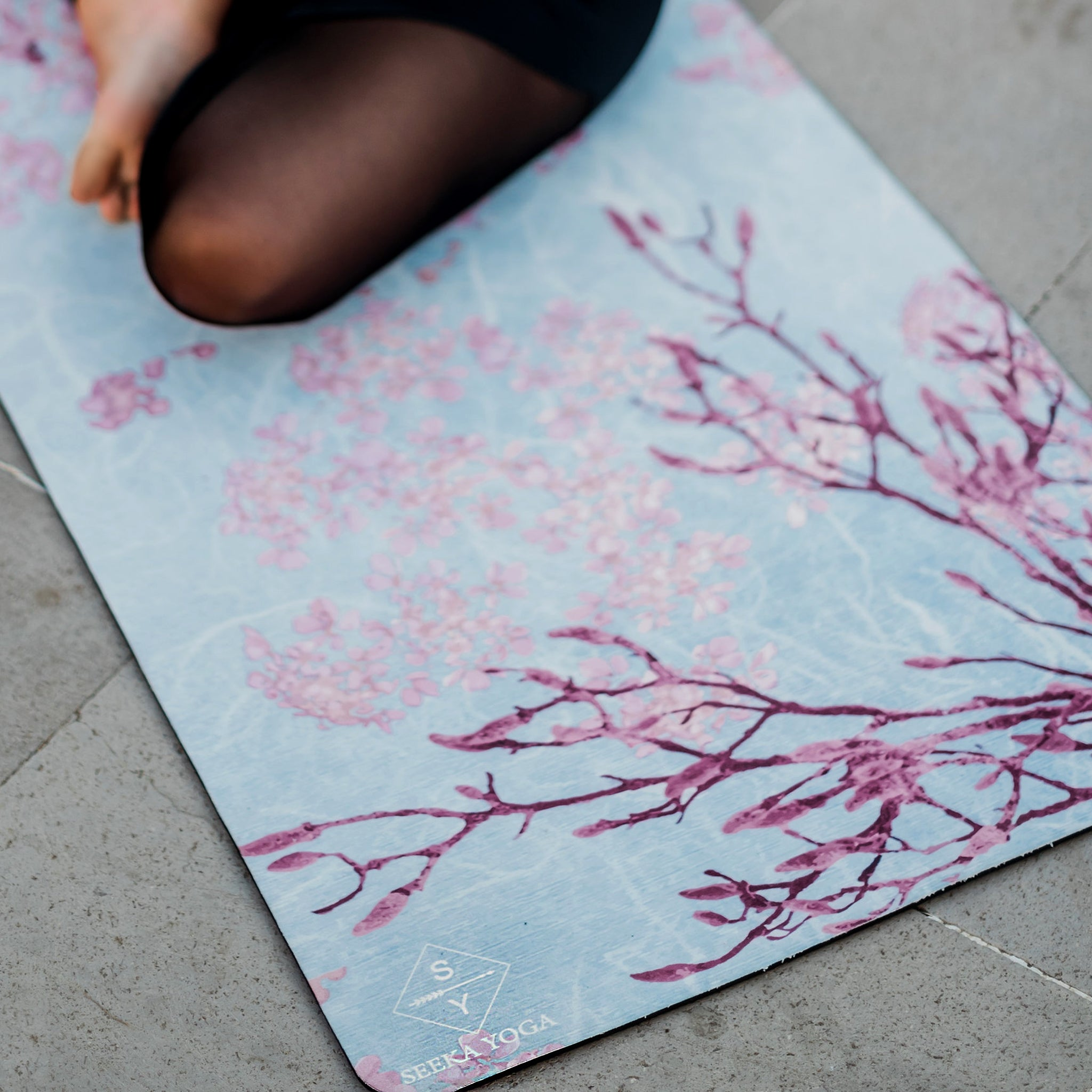 Luxe Vegan Suede Microfiber/ Recycled Rubber Printed Yoga Mat - FLORAL CORAL