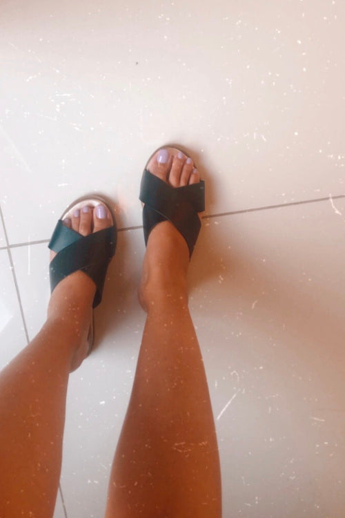 Must Have Black Slides