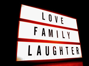 White and red signature with love family laughter text - W-Photographie