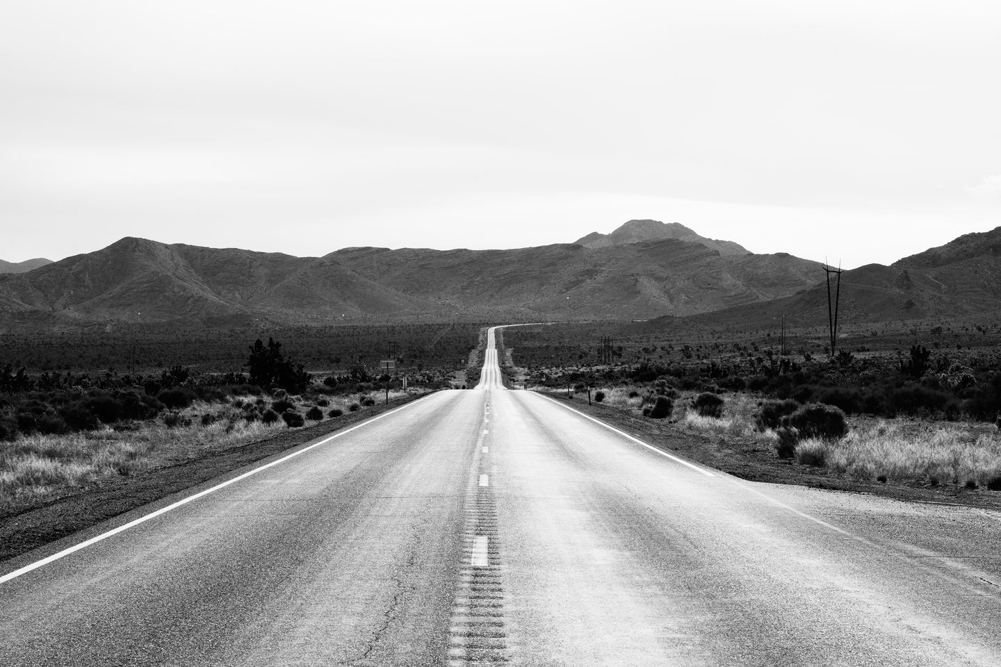 Grayscale photo of road - W-Photographie