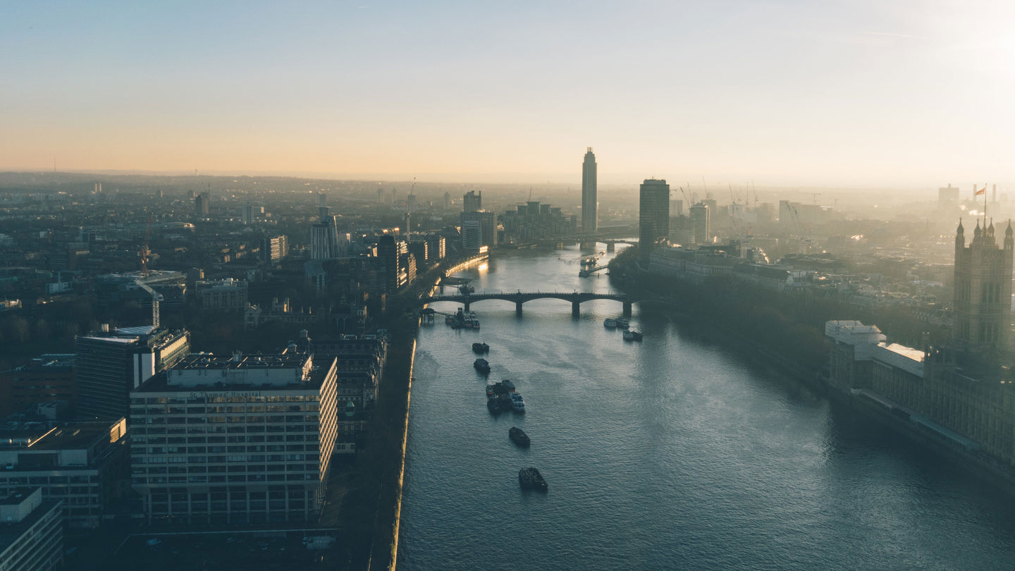 Skyline view of London's Thames river - W-Photographie
