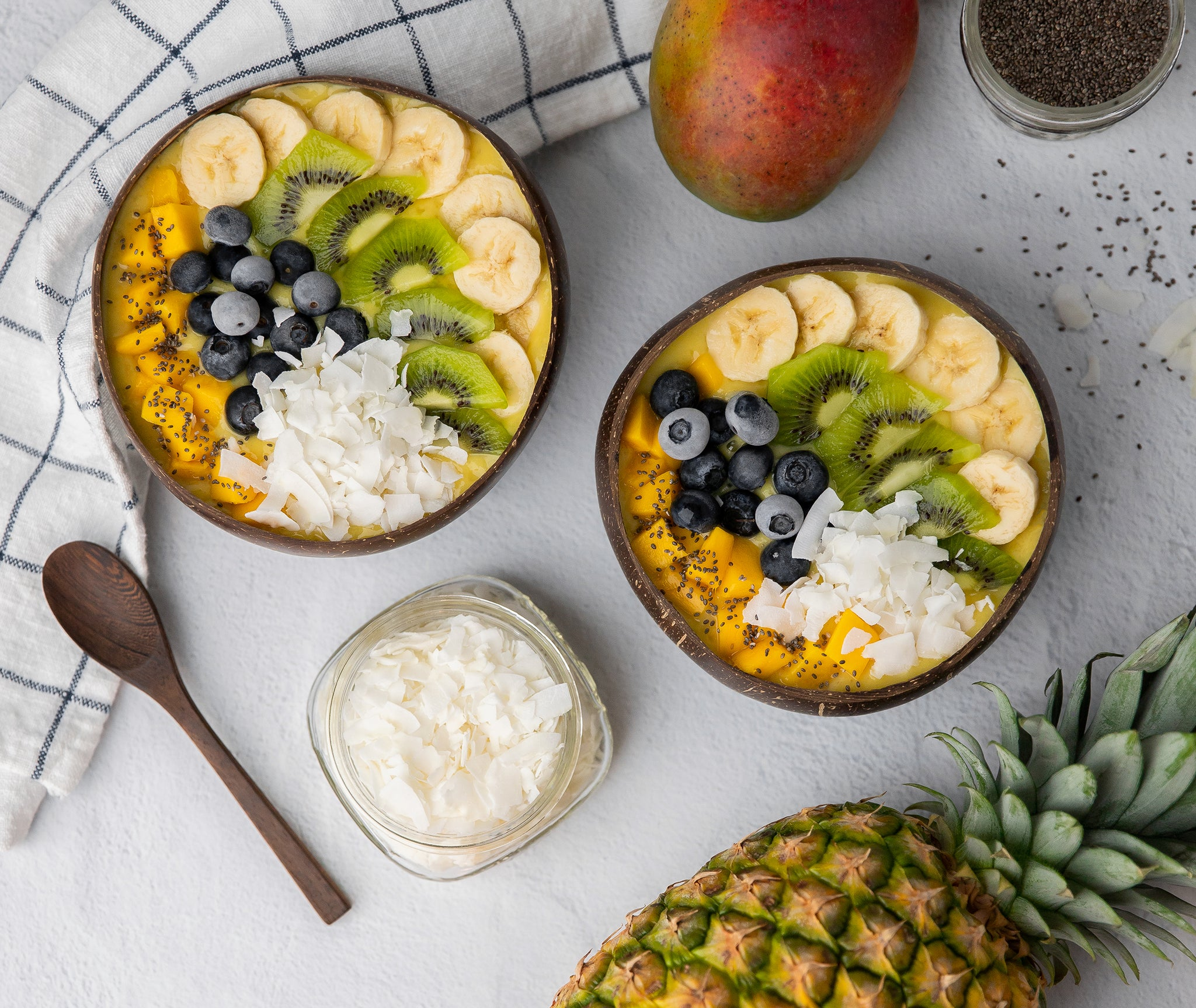 Tropical smoothie bowls with toppings