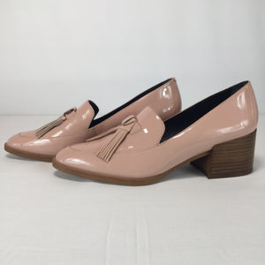 SHOES, - LIGHT PINK PATIENT LEATHER WITH TASSELS DOWN THE FRONT AND A TRENDY CHUNK HEEL