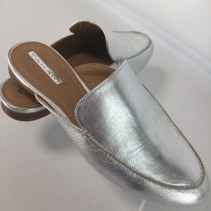 SHOES, - SILVER METALLIC FINISH MULE STYLE SHOE.