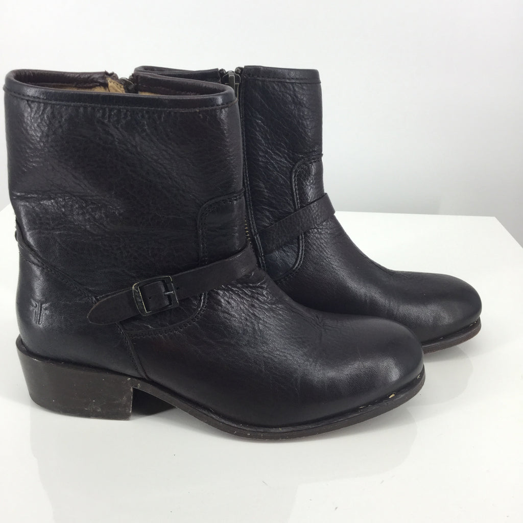 Frye Boots Ankle Size:6.5