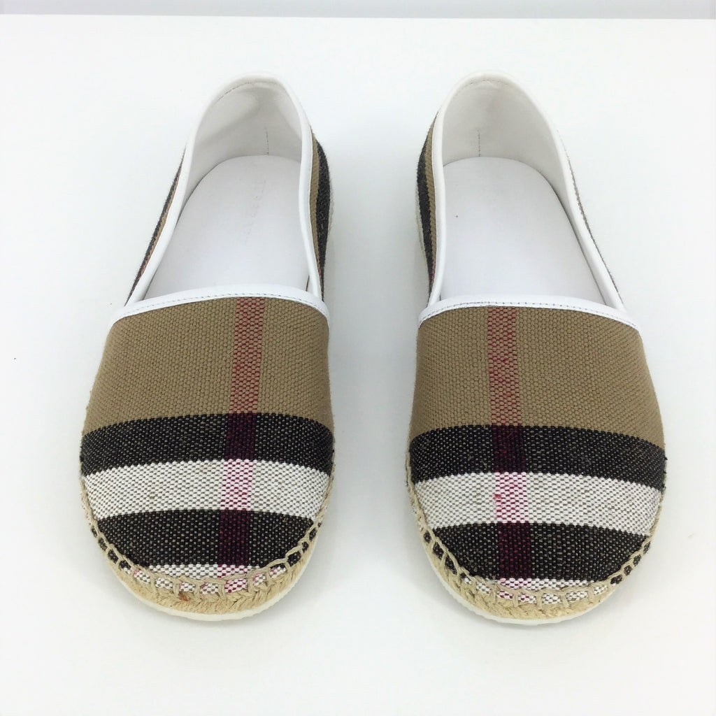 Burberry Flats Size:4