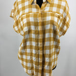 Lucky Brand Top Size:m - GREAT COLOR FOR THE UPCOMING SEASONS! LIGHTWEIGHT BUTTON UP TOP WITH 2 FRONT POCKETS.