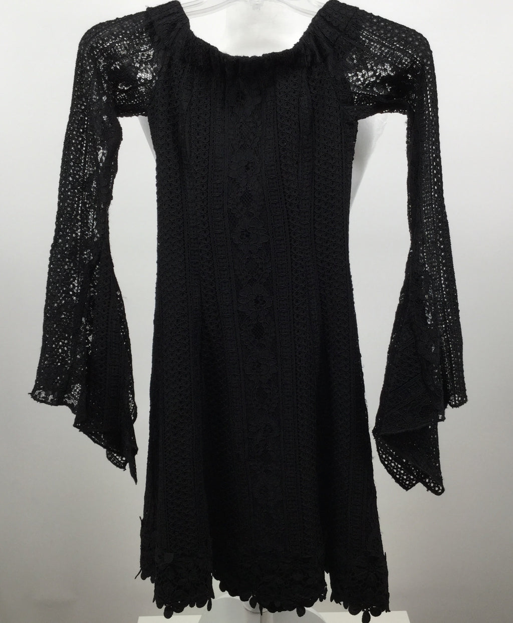 NICHOLAS SHORT LONG SLEEVE LACE DRESS, SIZE 2.