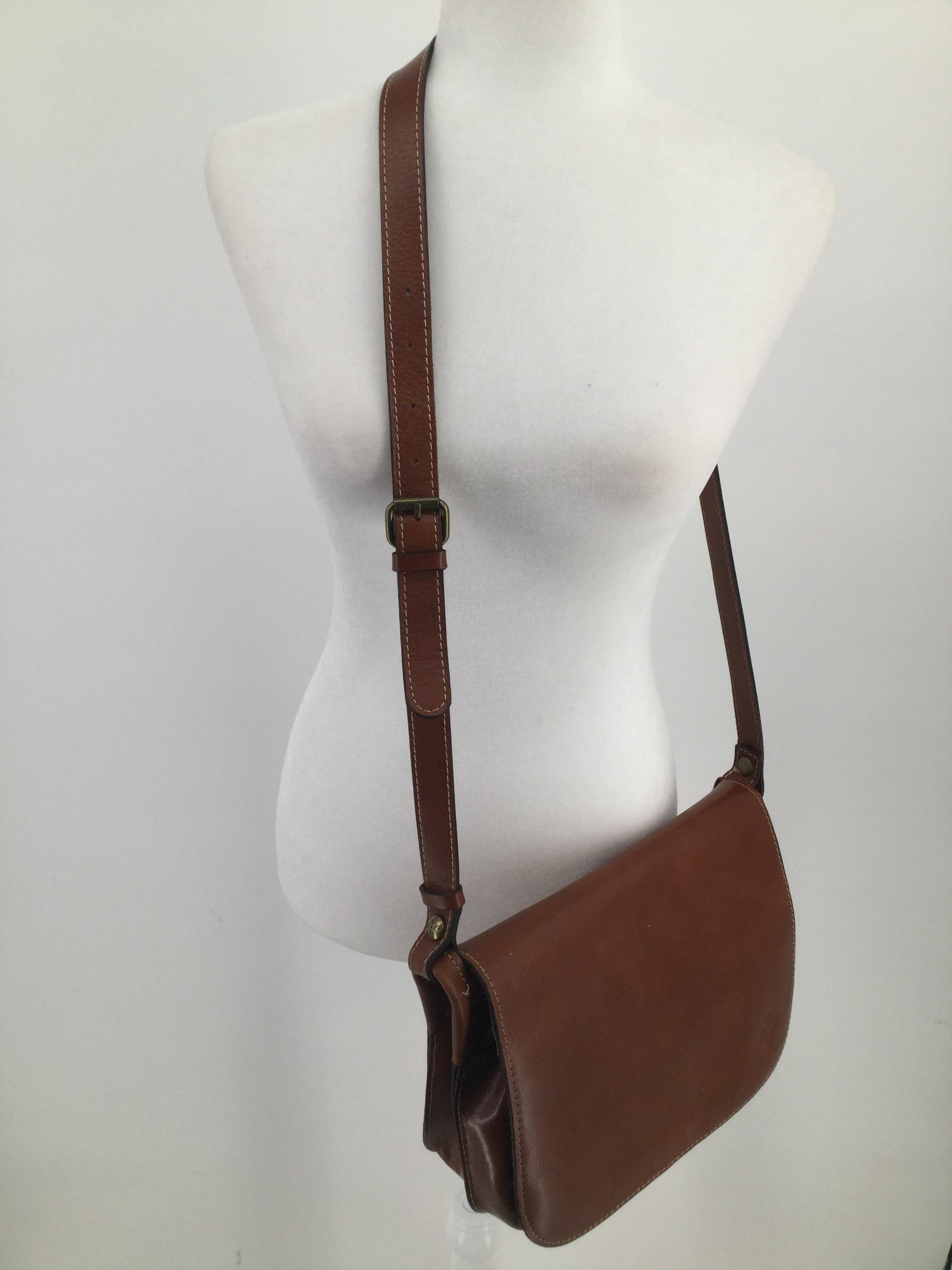 Patricia Nash Handbag Size:large - CAMEL BROWN LEATHER SADDLE BAG