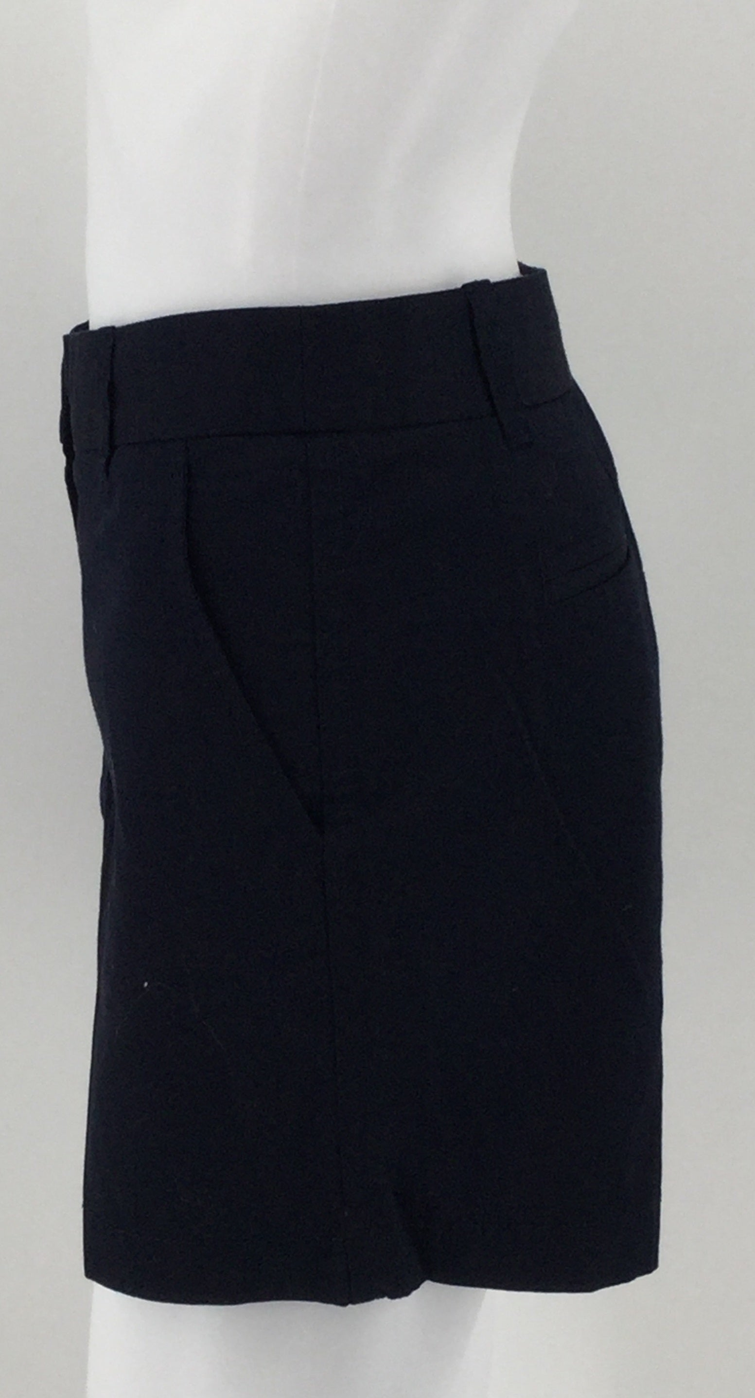 J. Crew Navy Blue Chino City Fit Shorts Size 8 Nwt Msrp $32.50 -   100% COTTON.  NAVY BLUE CHINO CITY FIT.  SIZE 8 INSEAM 5