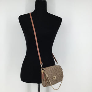 Coach Designer Handbag, Leather, Tan, Size: Small - THIS COACH CROSSBODY FEATURES A GOLD CHAIN AND A REMOVABLE STRAP. IT IS IN EXCELLENT CONDITION WITH VERY LITTLE WEAR.