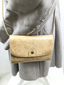 FRYE CROSSBODY SIZE:SMALL - FRYE NEW WITHOUT TAGS KHAKI COLORED CROSSBODY. 24