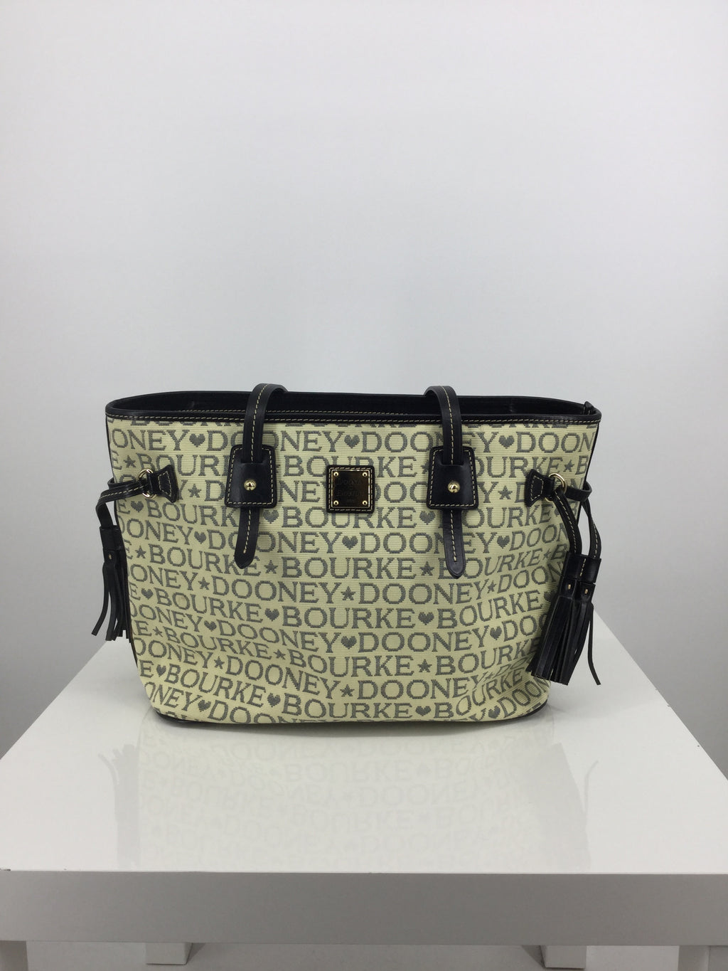 Dooney And Bourke Handbag Designer
