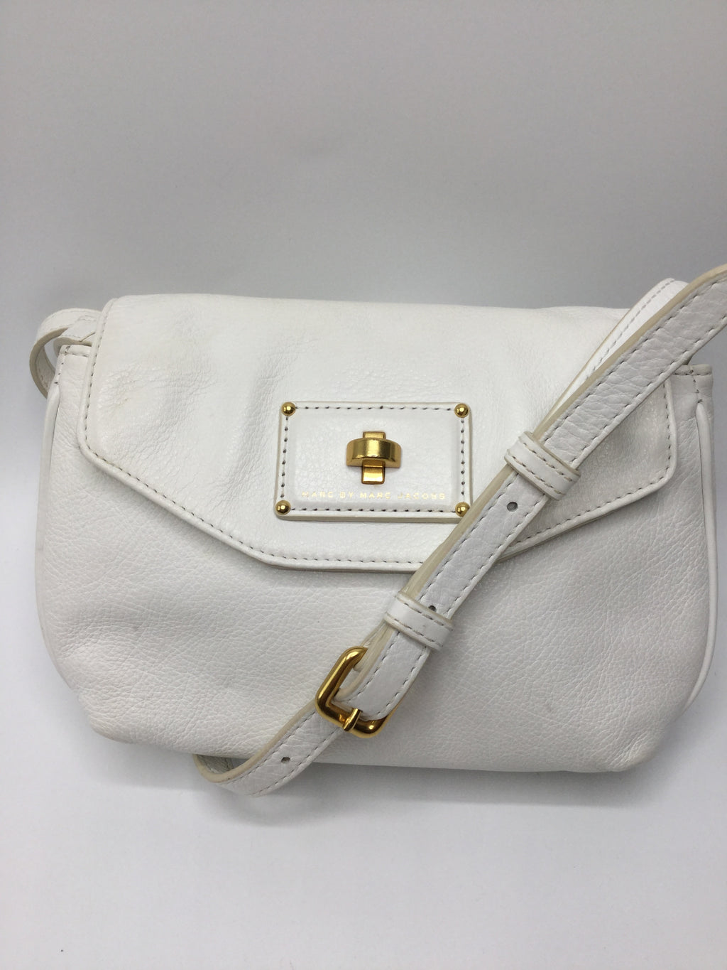 Marc By Marc Jacobs Crossbody Size:small