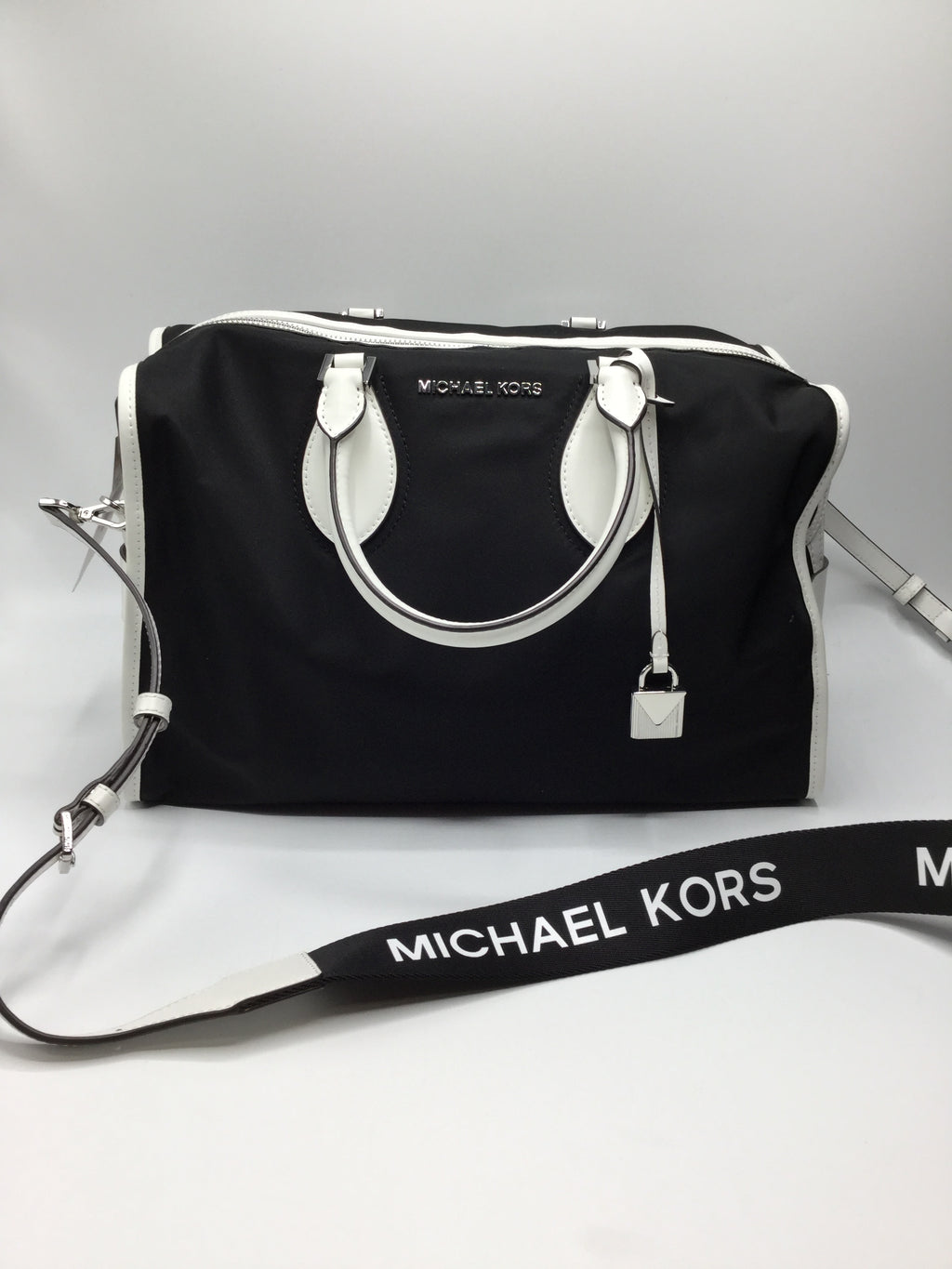 Michael Kors Large Duffle Bag, NWT retail $348