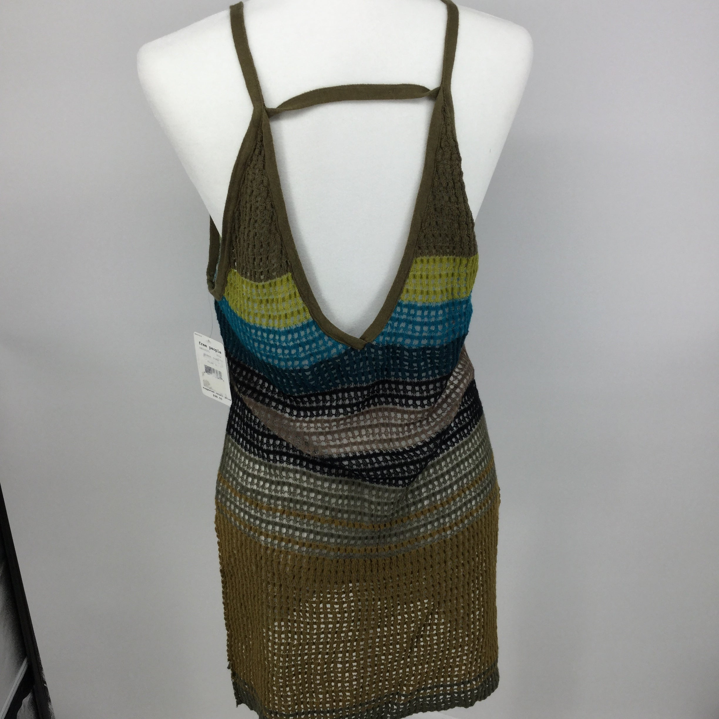 APPAREL,TOPS - IF YOU GOT TICKETS TO COACHELLA (LUCKY!) THEN YOU'LL NEED TO GET YOUR OUTFIT TOGETHER RIGHT NOW - THIS LOOSE KNIT FREE PEOPLE TOP HAS YOUR NAME ON IT.