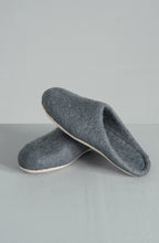 Load image into Gallery viewer, Feruto Slide Slippers by Bianca Lorenne