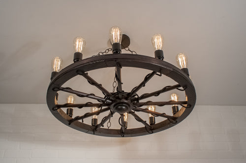 12 Bulb Wagon Wheel Light