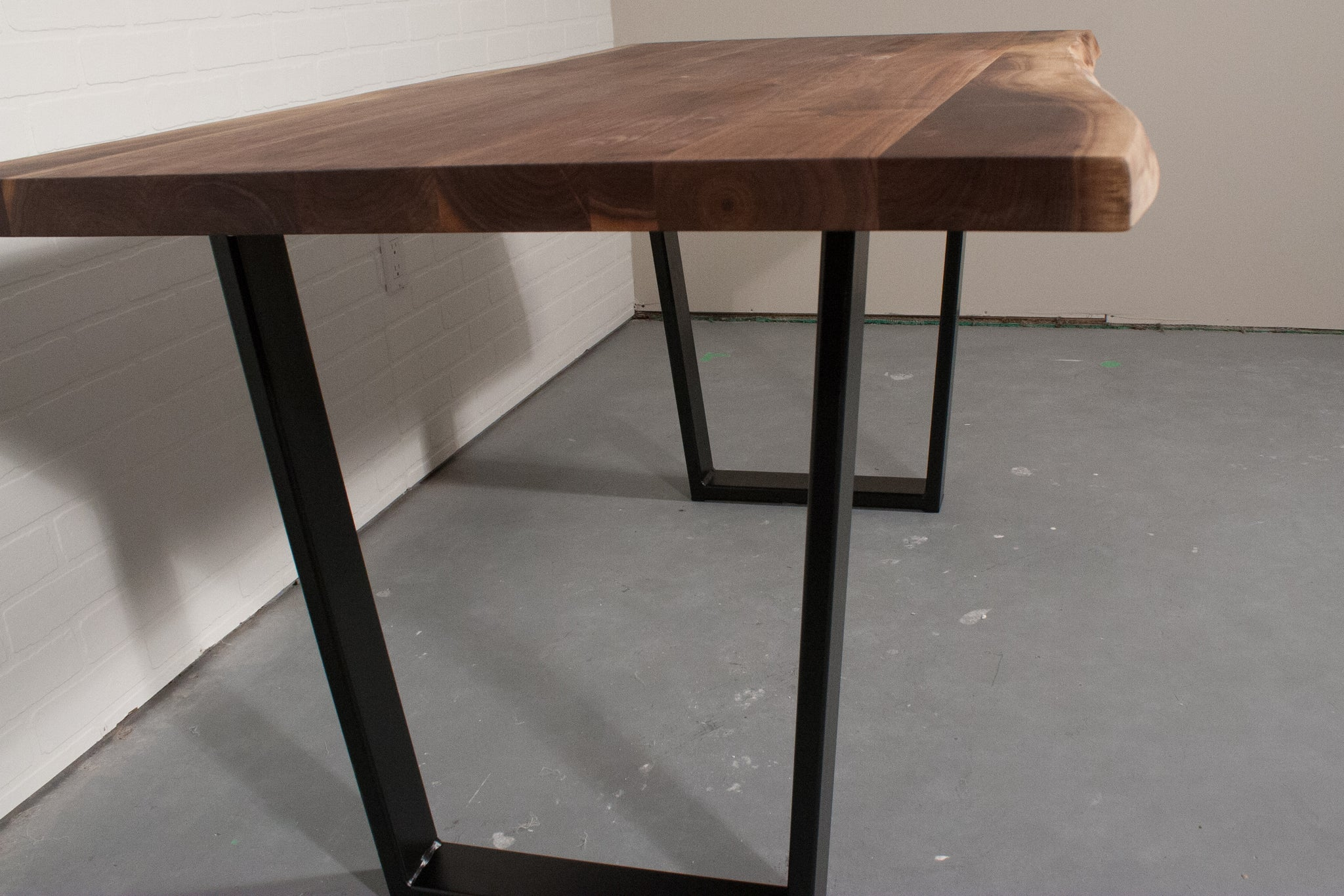 black steel angle legs for dining table