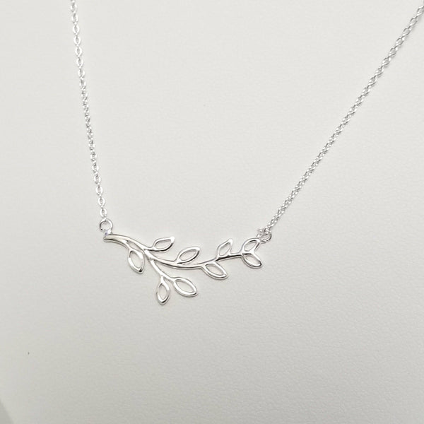 Sweet Leaves Necklace