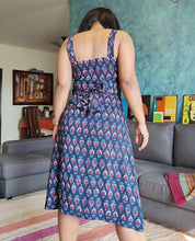 Load image into Gallery viewer, Indigo Printed Cotton Viscose Wrap Dress