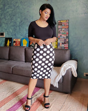 Load image into Gallery viewer, Black Polka Dotted Cotton Lycra Pencil Skirt