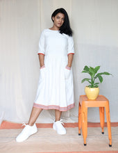Load image into Gallery viewer, Off White Linen Cotton Midi Dress