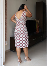 Load image into Gallery viewer, Grey and Maroon Cotton Sheath Dress